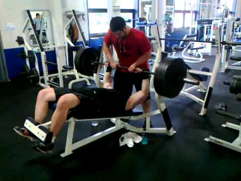 405 lbs Decline Bench Press. New 1 rep max - YouTube
