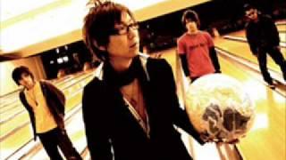大阪発のバンドです。 曲の聴きやすさ、そしてボーカルのメロウな歌声が...