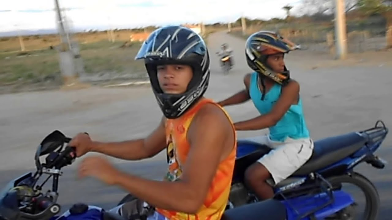 Empinando Motos No Grau Youtube