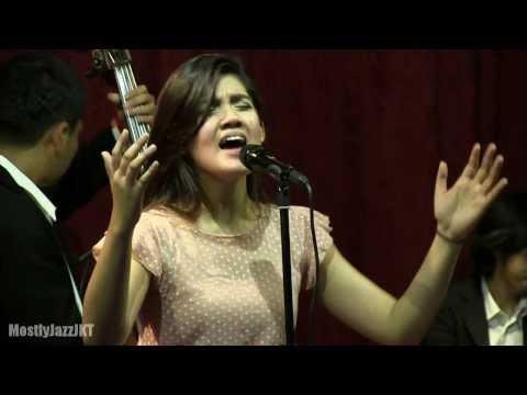 Monita Tahalea - I Love You @ Mostly Jazz 21/08/13 [HD]