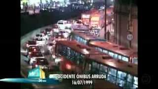 MGTV - ÔNIBUS CAI NO RIO ARRUDAS (BELO HORIZONTE)