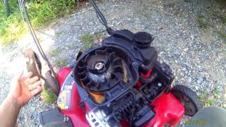 2 trashed mowers,  how to correctly clean  the briggs 500e series and 125 cc carburetors part 1