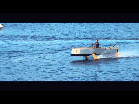 Hydros HY-X : the 1st flying, hybrid and energy efficient yacht !