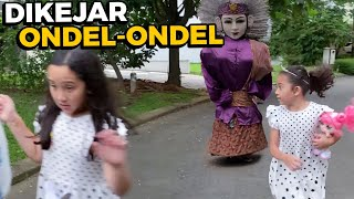 Kaget Pulang dari Indomaret Tiba-Tiba dikejar Ondel-Ondel 😲