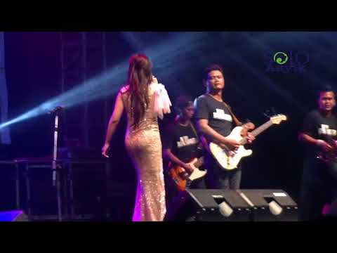 Kelangan - EVA KHARISMA - OM KENDEDES Dangdut Koplo Live Alun-Alun Karanganyar 2017