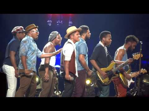 Bruno Mars -Treasure live in Sydney 10/03/14