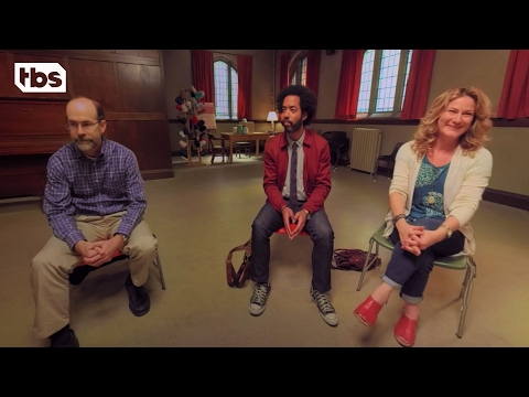 360 Video: People Of Earth | How To Catch A Reptilian | TBS
