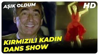 Aşık Oldum - Şakir, Otoparktaki Kırmızı Elbiseli Kadına Hasta Oldu  Şener Şen Türk Komedi Filmi