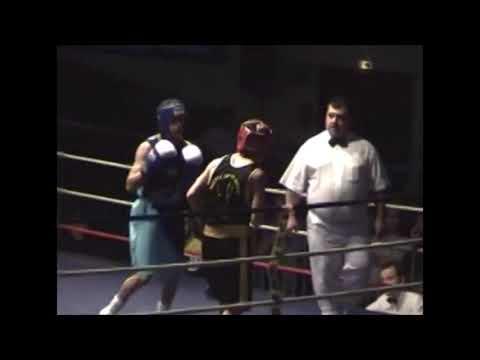 Farid Benyalhou au gala de boxe de Marcheprime - Ussap Boxe - 2006