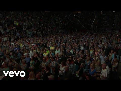Jimmy Buffett - Breathe In, Breathe Out, Move On ft. Caroline Jones