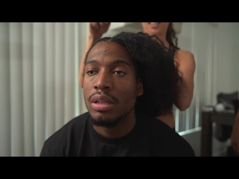 'KAWHI LEONARD GETS HIS HAIR DONE'
