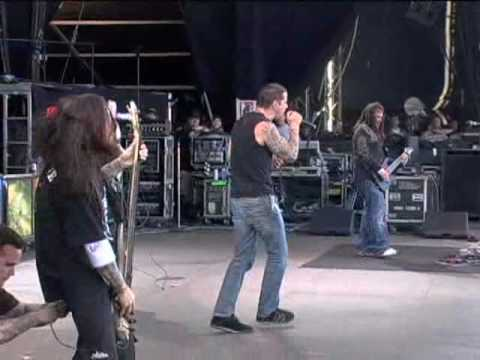 M. Shadows Sings with Korn