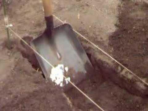 Comment creuser un billon dans votre potager youtube for Creuser un puits dans son jardin