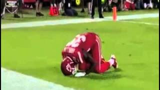 Husain Abdullah penalized for praying Muslim NFL player penalized for brief thanks to god