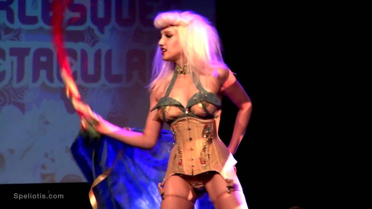 fruhe burlesque tanzerin