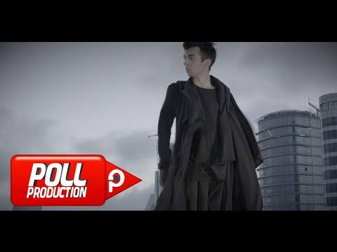 Çağatay Akman - Ben Ne İnsanlar Gördüm - (Official Video)