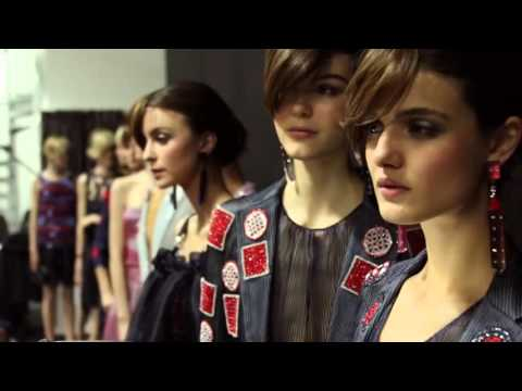 Giorgio Armani   2016 Spring Summer   Womens Fashion Show Backstage   720×540