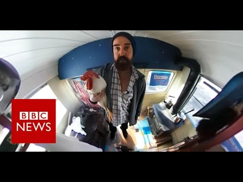 A rooster touring to support Bernie Sanders (360 video) BBC News