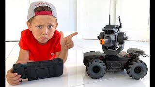 Senya assembling a ROBOT. Funny stories for kids.