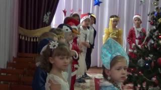 видео Песни про Новый год для детей, традиции и хороводы у елки