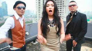 "ROY RICARDO ""Kangen Kamu"" Official music video (Produced by Mocharizma)"