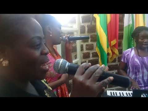 Refuge Worship Coach, Likolo efungwama, mabele eningana