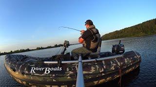 Рыбалка осенью на джиг на большой реке Осваиваю новый эхолот. Судак клюет