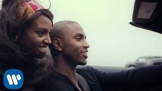 Смотреть клип Trey Songz - Simply Amazing
