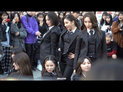 [4K] 180311 CLC(씨엘씨) - 'BLACK DRESS' Public Dance At Hongdae