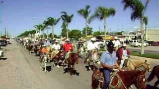 Desfile de la organisacion ganadera del Municipio De Rodeo Durango México 11/28/09 No.2