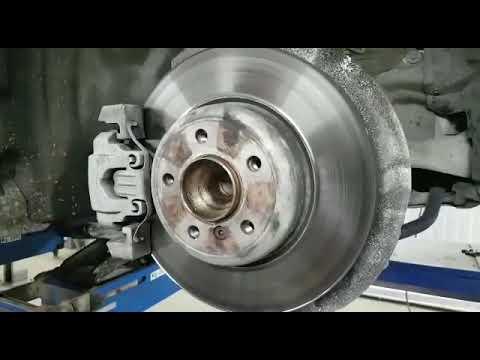 BMW F10 noise, humming of the front wheel hub bearing / Шум переднего  ступичного подшипника