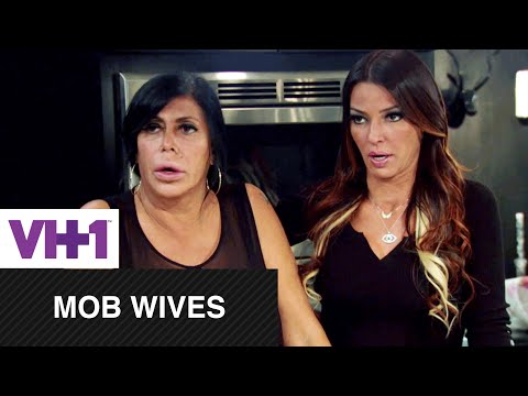 Mob Wives  Natalie Apologizes to Renee  VH1