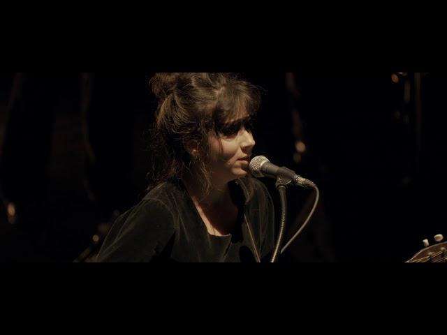 LAURA CAHEN - LOIN (Concert - Instants Suspendus)