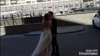 Невесту Елиану встречает жених