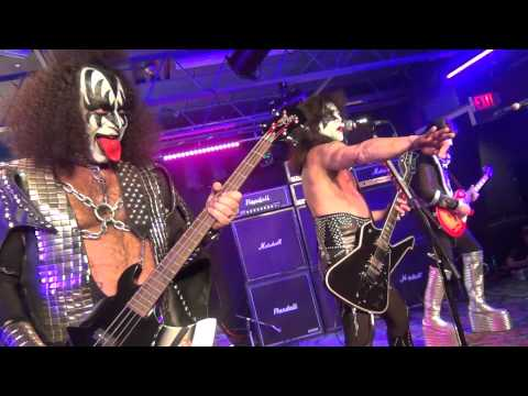 HD - Love Gun by Destroyer (Canada's Kiss Tribute) live at The Rockpile in Toronto January 18 2013