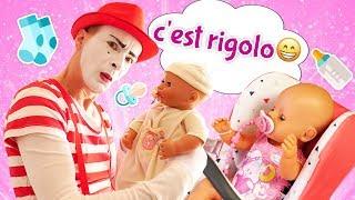Rigolade pour enfants. Vidéo drôle avec le Clown - nounou. Jeu aux poupons