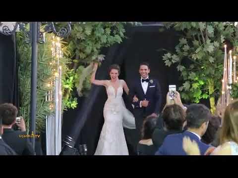 Kadir Doğulu Ve Neslihan Atagül'ün Düğününden Çok Özel Görüntüler!