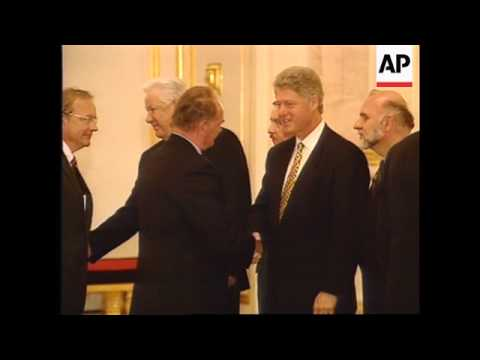 Russia - Yeltsin And Clinton At Banquet