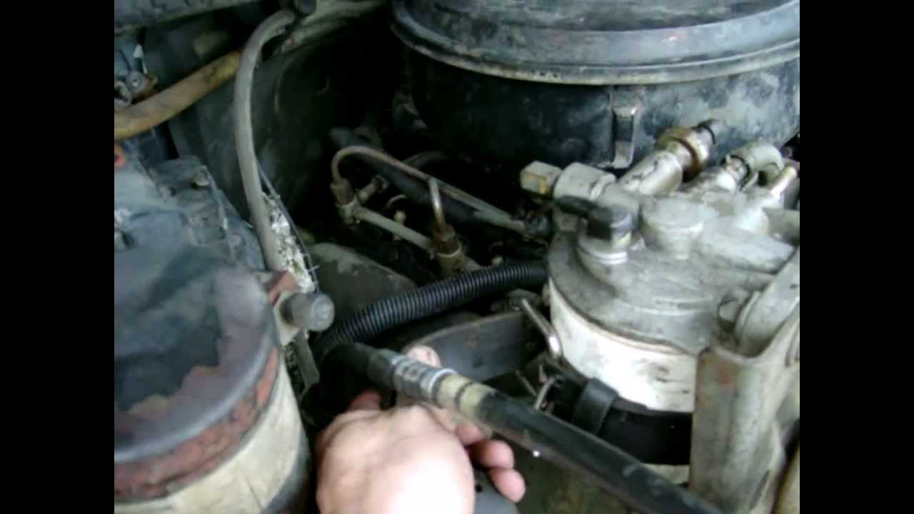 how to change your oil or diesel fuel filter using a belt [ 1280 x 720 Pixel ]