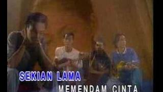 Repeat youtube video Achik & Nana - Gurauan Berkasih