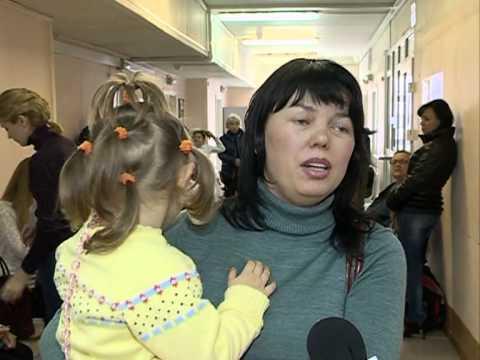 Посетители новоуренгойских поликлиник вынуждены просиживать в очередях по несколько часов.