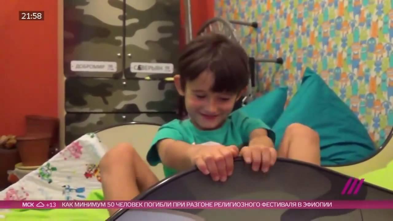 Смотреть видео как мальчики перед сном играют с пиписками фото 458-915