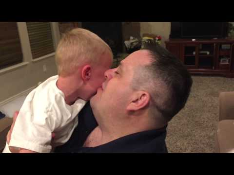 Dad shaves beard, traumatizes 2-year-old