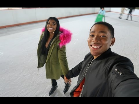 ALMOST FELL ICE SKATING!!   VLOGMAS DAY 7