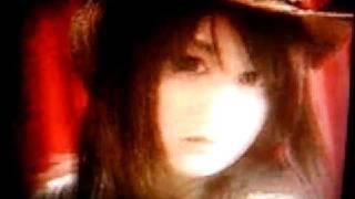 鹿谷弥生出演のTV-CM (デジカメ撮影のため劣悪画質ですがご容赦を)