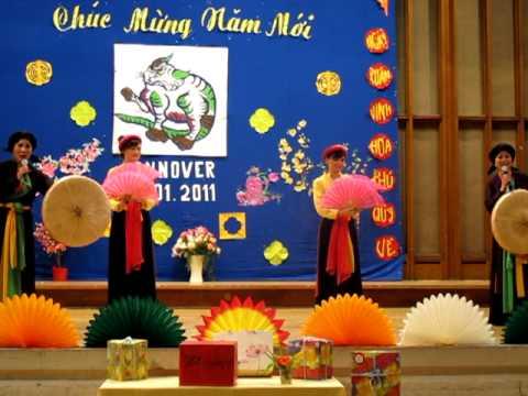 Hoa thom buom luon (Tuyet lan - Mai Thom) Hannover Xuan Tan Mao