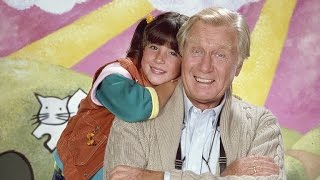 Soleil Moon Frye Pays Tribute to Her Late 'Punky Brewster' Co-Star, George Gaynes