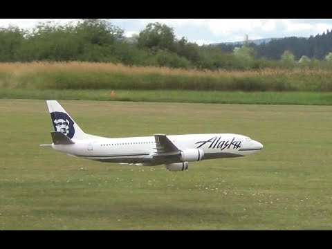 RC Boeing 737-400 Alaska Airlines Depron EDF Airliner Flying