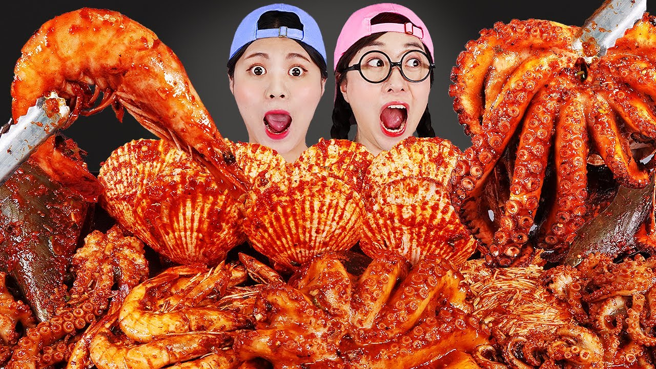 Download Spicy Seafood Boil Mukbang 매운 대왕해물찜 먹방 DONA 도나