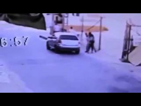 Woman Manages to Escape From Kidnappers